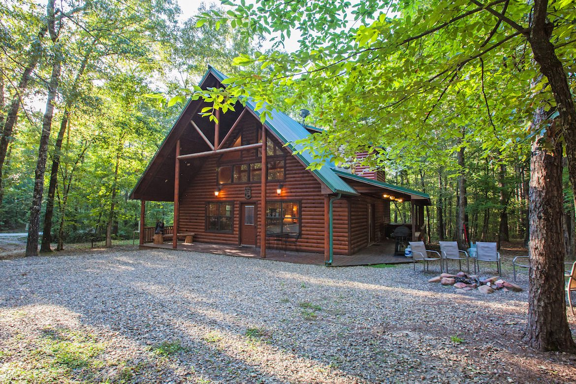 Big bear cabin in broken bow ok sleeps 8 hidden for Cabins big bear