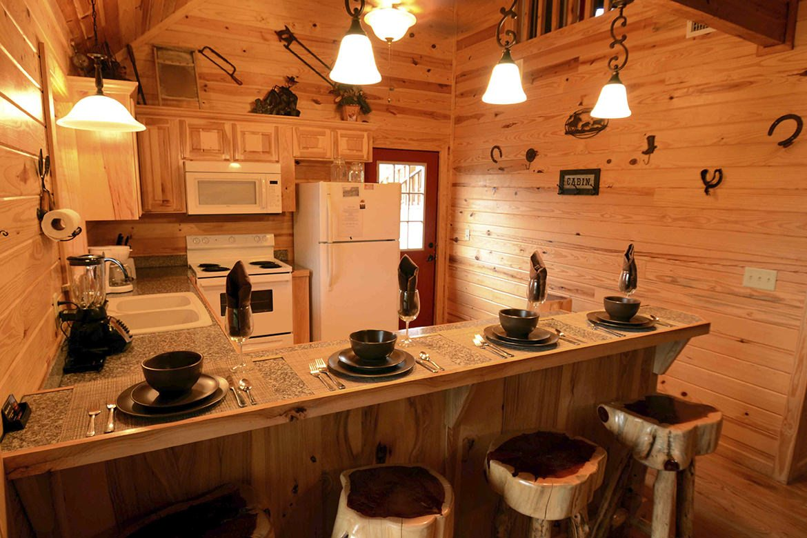 Cubby Bear Cabin In Broken Bow Ok Sleeps 8 Hidden Hills Cabins