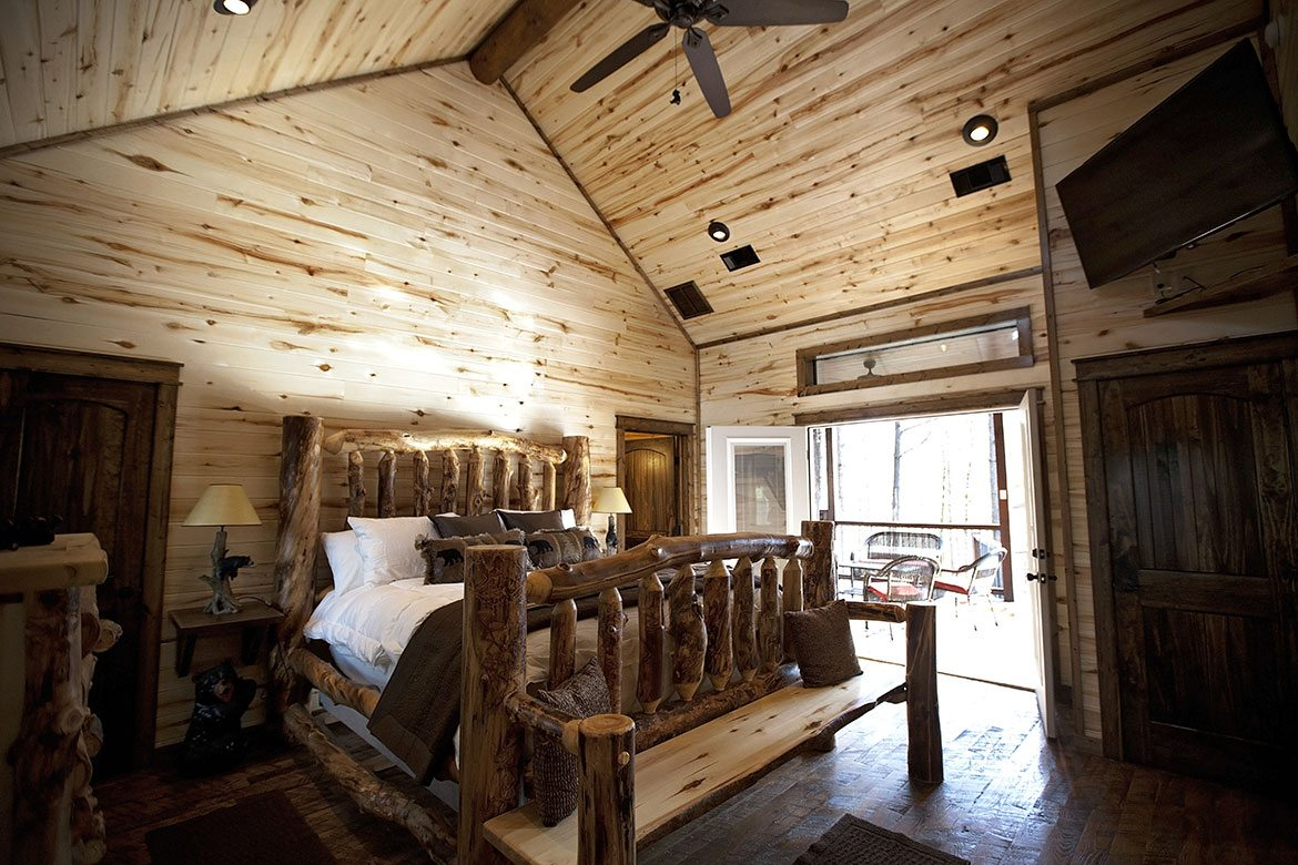Dakota Bear Cabin In Broken Bow Ok Sleeps 2 Hidden