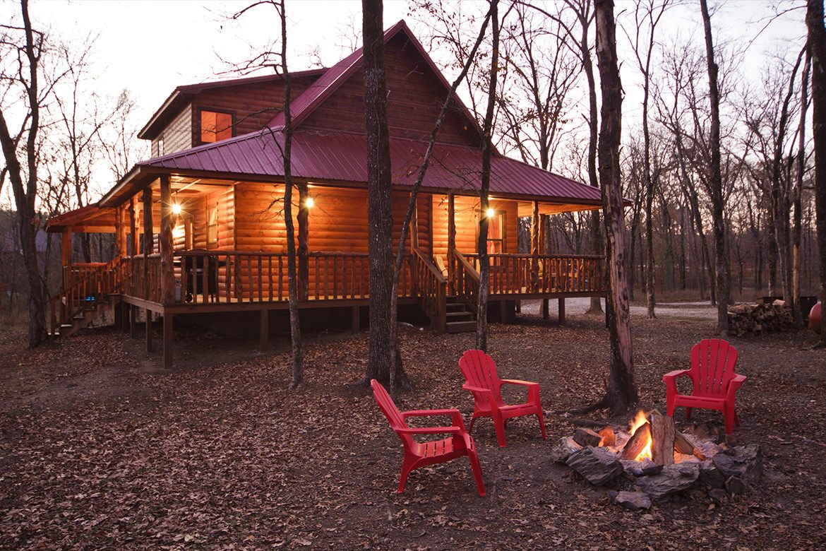 Twelve oaks cabin in broken bow ok sleeps 6 hidden for Two bedroom cabins