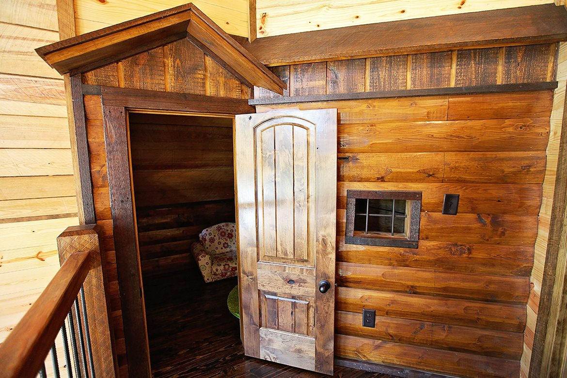 Firefly Cabin In Broken Bow Ok Sleeps 4 Hidden Hills