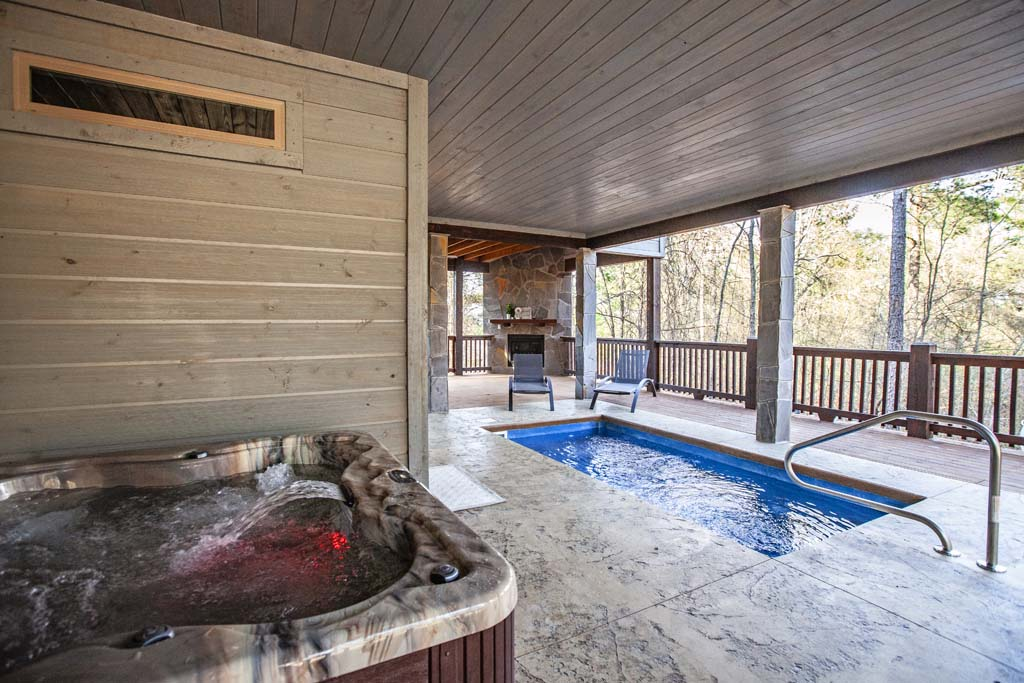 Merlot Mountain Cabin In Broken Bow Ok Sleeps 4